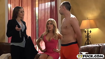 Two glamour women hot threesome session