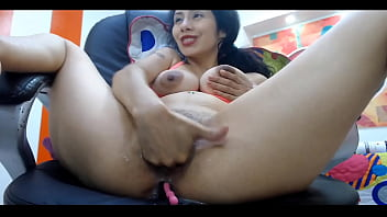 Arab Slut fucking till her pussy is soaked dailyasianporn