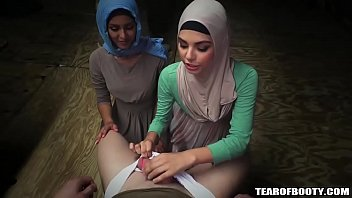Sneaking Arab Chics