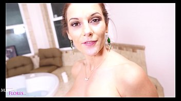 Spying Dream comes true! Hot MOM Mandy Flores rewards voyeur HD