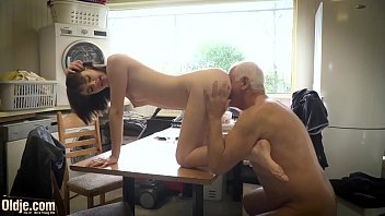 Teen gets on her knees and sucks cock hard