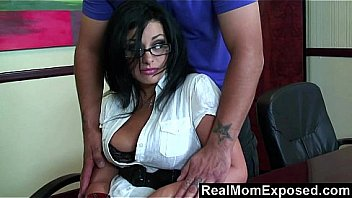 RealMomExposed – I lost my job, massage me with your dick