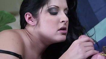 MILF Chelsie Rae Bounces Her Big Booty On A Hard Dick