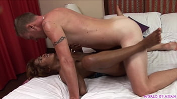 Horny tourist dude getting hot asian massage, fucking juicy hairy cunt included