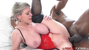Bigtitty Mature Hottie Interracial Pounding