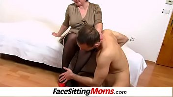 Nylons sexy pumps and cunt licking with European cougar Tanya