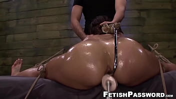 Submissive hottie endures machine and toys