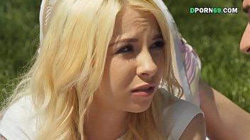 日焼けした女子中学が女友達の乳首にしゃぶりつくの校生系動画