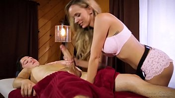 Massage session turns into hot fuck