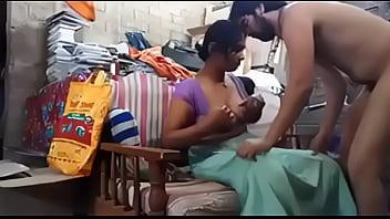 Indian Desi Bhabhi baise avec...