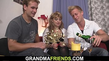 Grand parents threesome tubes