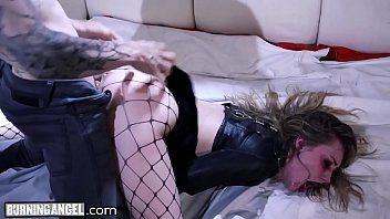 Young Horny Goth Chick Hard Fuck from Big Dick