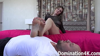 Foot fetish fun with some hotties!