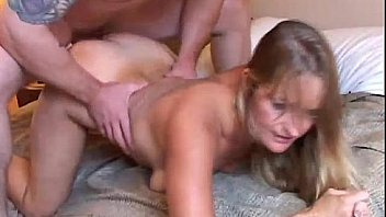 Vickie is a very sexy mature lady who loves to fuck