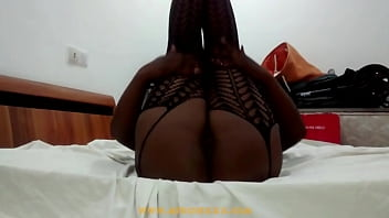 African nice pussy in bed openning her legs