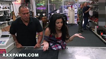 XXXPAWN - Latina With Attitude Tries To Pawn Her Old Ass Television And It Doesn't Work Out