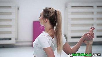 White guy bangs tiny brunette during her exercise