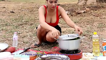 Incredible Girl Cooking Water Snake Soup HD