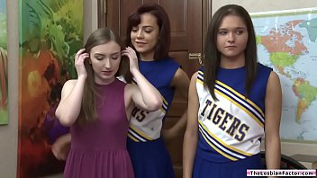 Teen babe pussylicking her dyke cheer squad captain