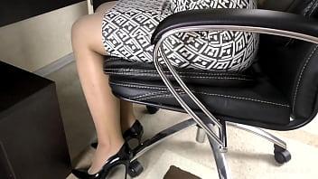 CFNM Handjob Secretary on her Stockings