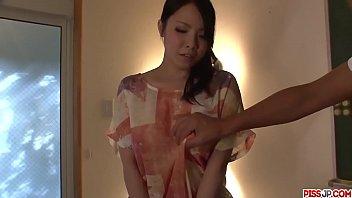 Hot japan girl Miho Tsujii shake her ass on video