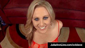 Busty Blonde Milf Julia Ann...
