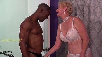 An Interracial body builders temptation