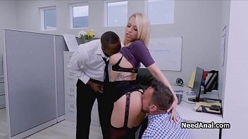 Threeway rimming at the office with a beautiful blonde