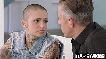Tattooed babe gets drilled in the ass