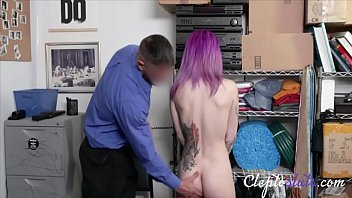 CLEPTO SLUT GETS CAUGHT REDHANDED BY COP