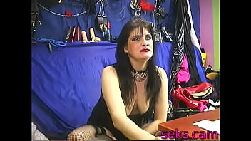 Domina strict lady hard toys her pussy live on webcam