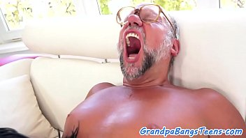 Highheeled eurobabe loves fucking grandpa