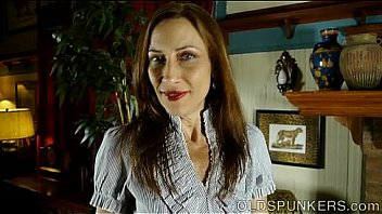 Super supple sexy old spunker fucks her soaking wet pussy