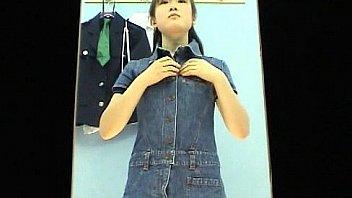 Tシャツを着てる女子高生が可愛い乳首をホテルで好き放題しゃぶり尽くすのロリ系動画