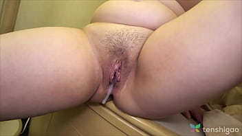 Chubby Japanese girl wants a cock in her pussy and fucks a man in Love Hotel in Tokyo Japan