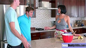 (Veronica Avluv) Gorgeous Milf With Big Juggs In Hardcore Sex Tape clip-30 Thumbnail