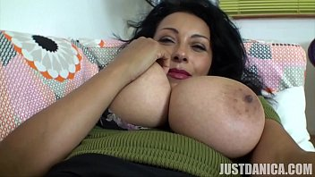 Selfie Video So Close You Can Smell It! Up Close Pussy Fingering