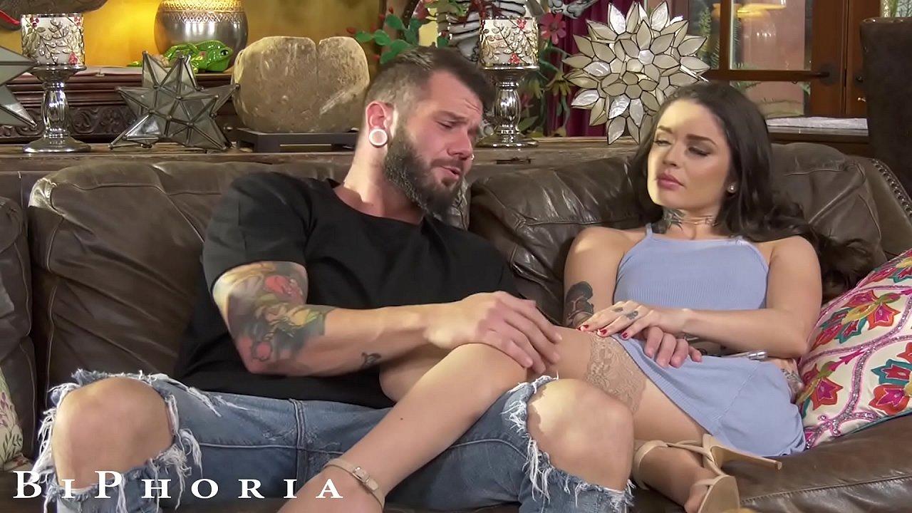 Amateur Couple Fucks Couch