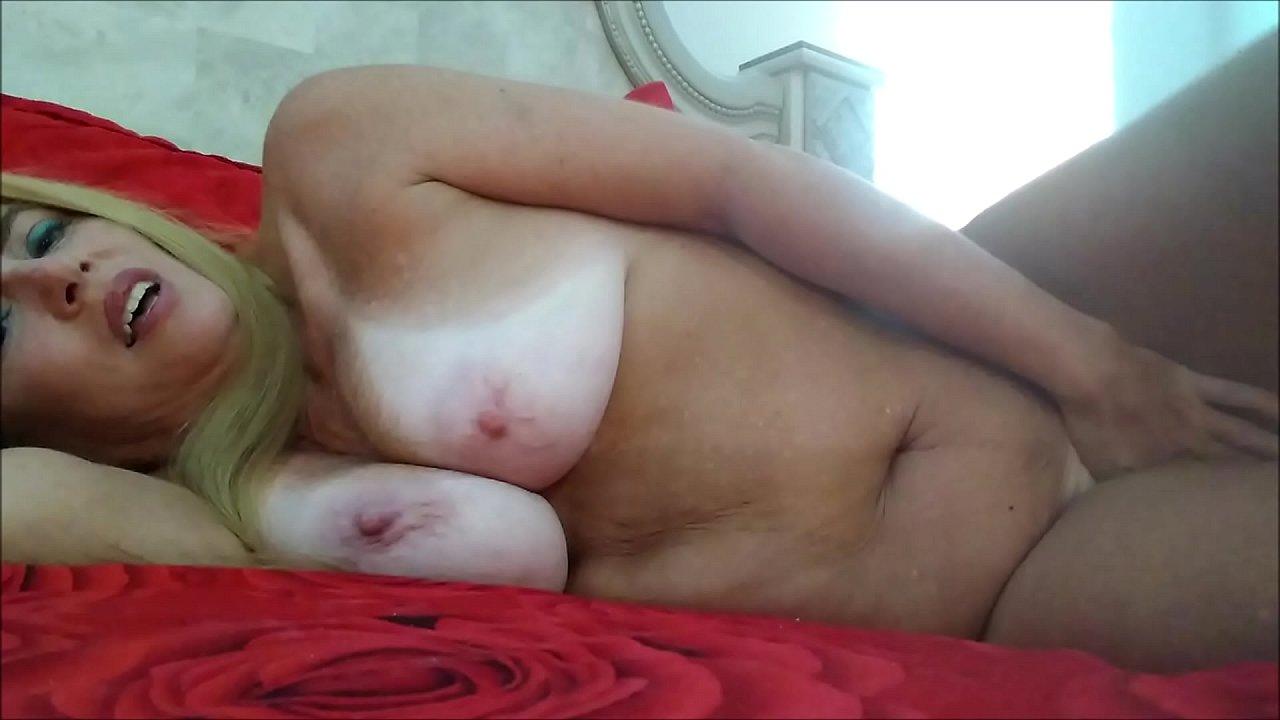big tits lesbian brunette