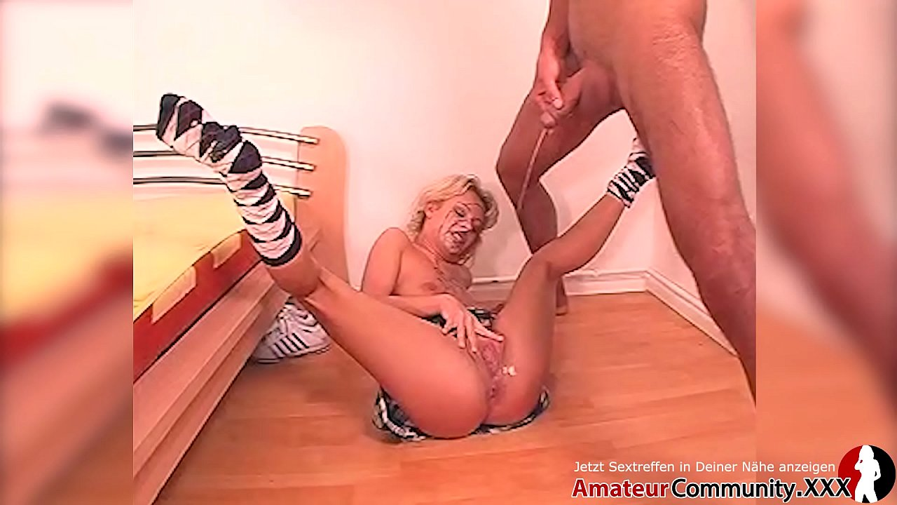 Laura Teen Cum Swallowing