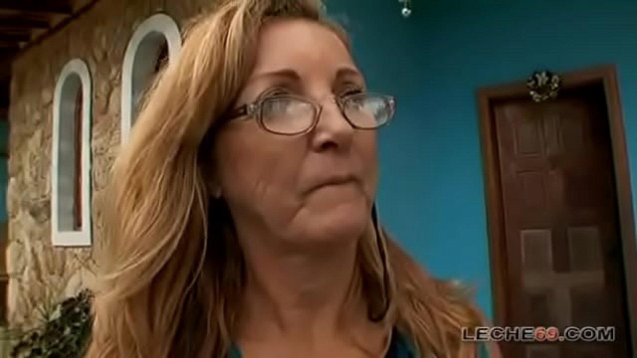 Abuela Bailando Con Sostene Rojo Porno super abuela brasile�a simone - xnxx