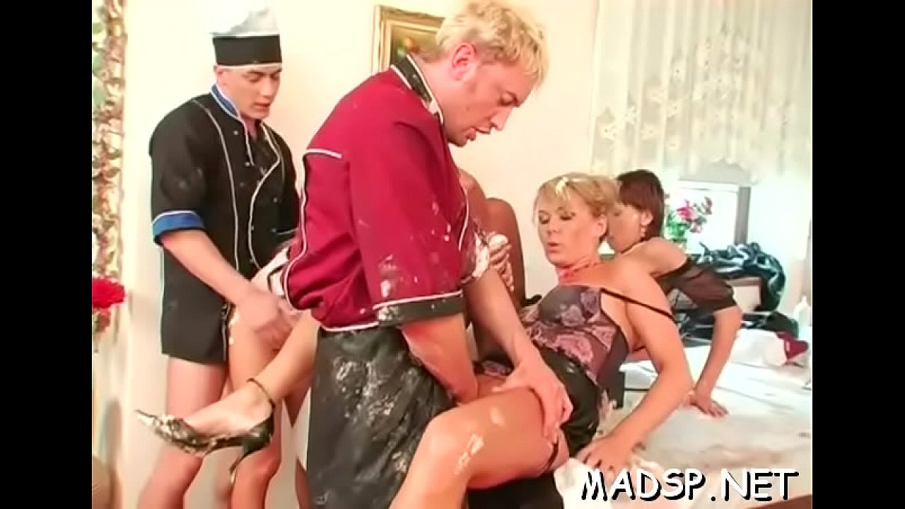 Cock Hungry Babes Enjoy Fucking With Trio Sex
