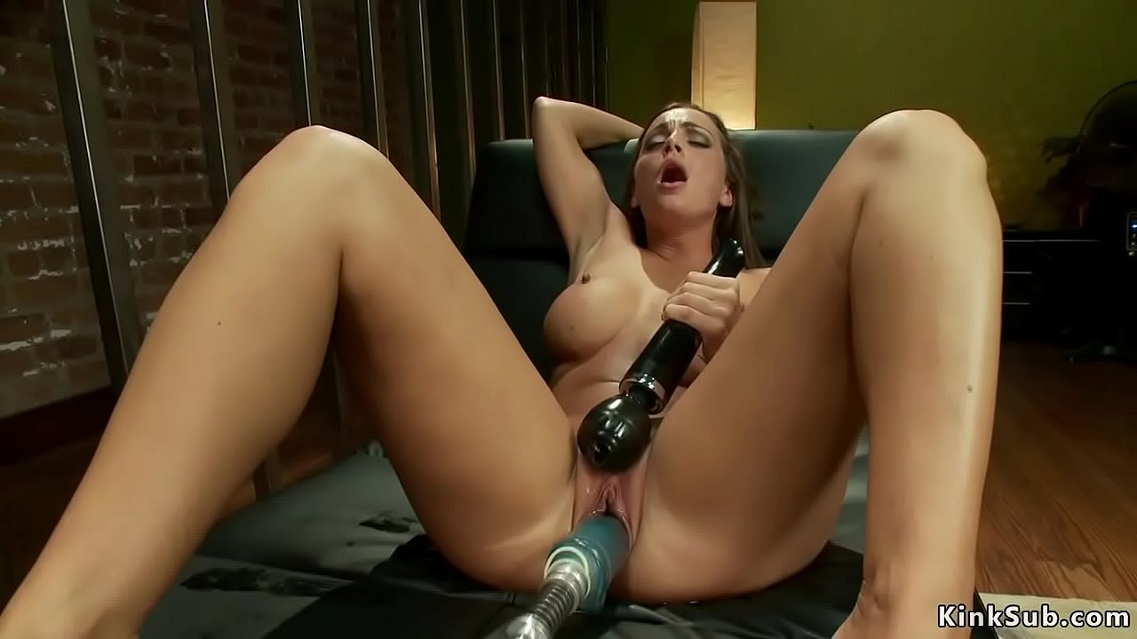 Hot Babe Squirting Solo