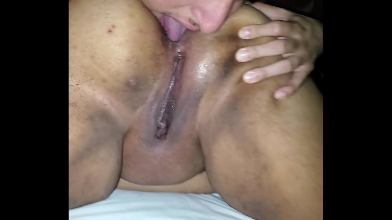 Thick Girl Pussy Eating
