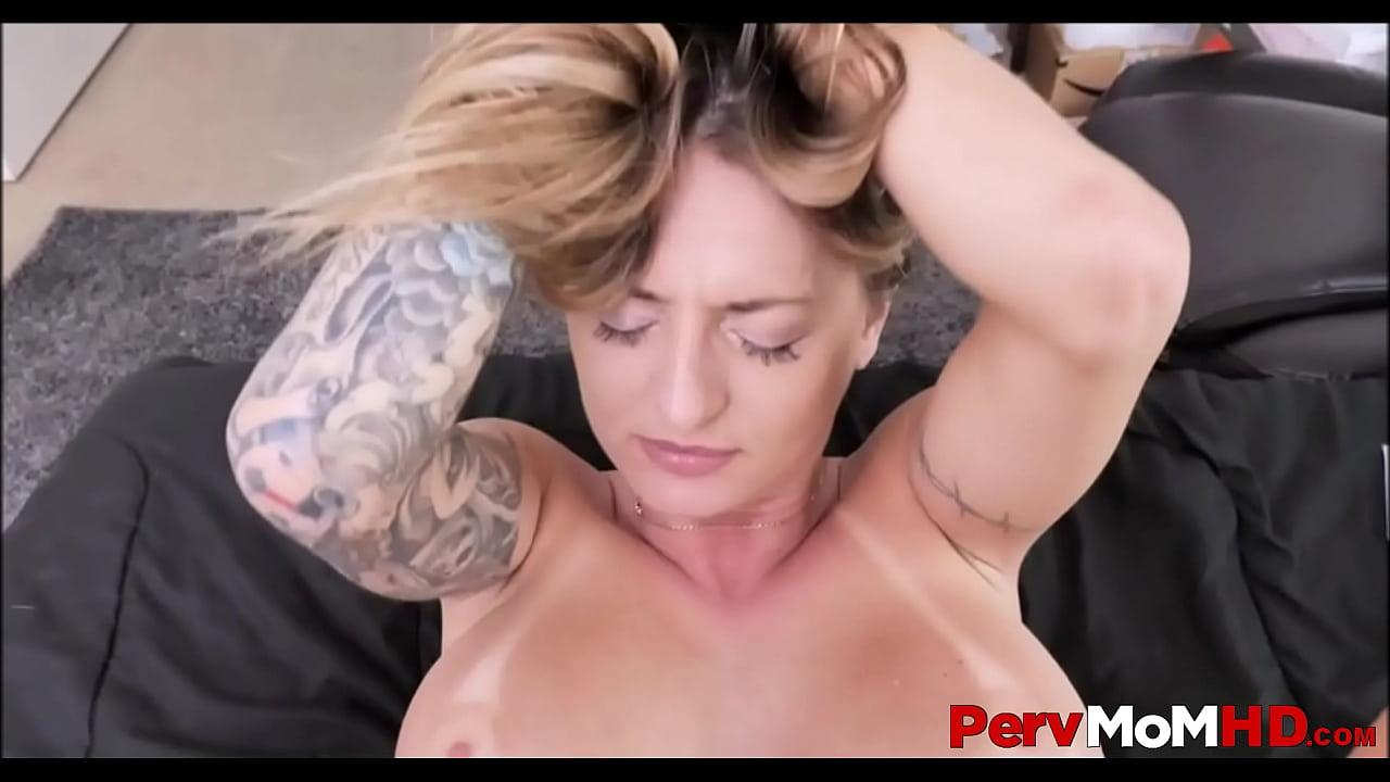 Fucking Stepmom Big Tits