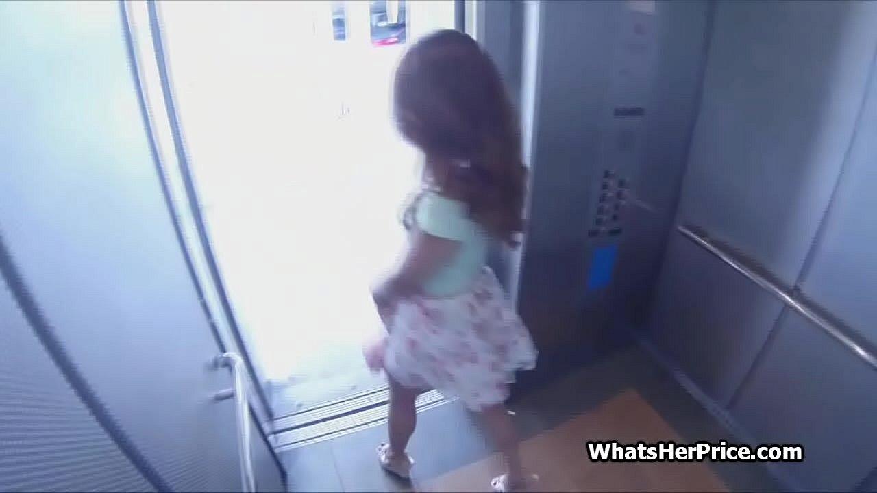 Amateur Latina Tranny Blowjob