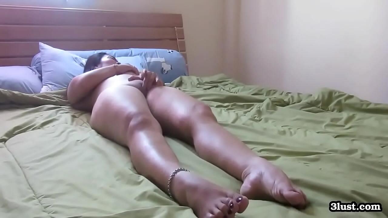 Amateur Asian Milf Orgasm