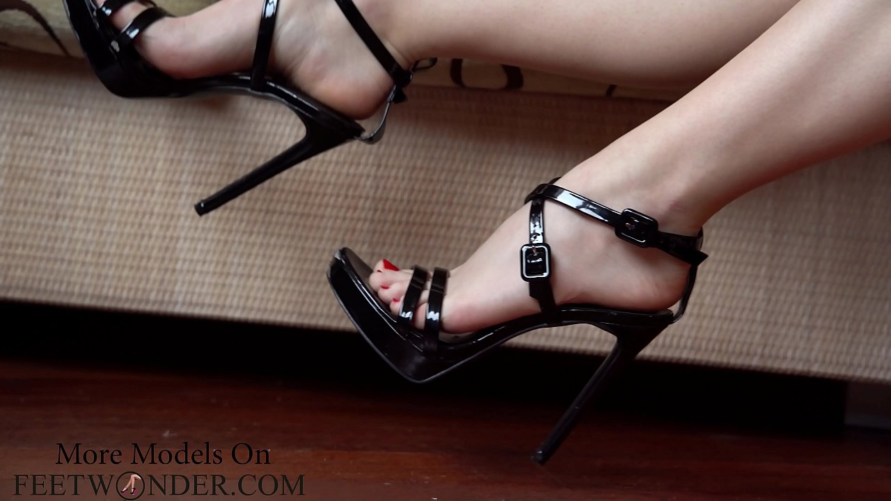 Chinese High Heels Trample