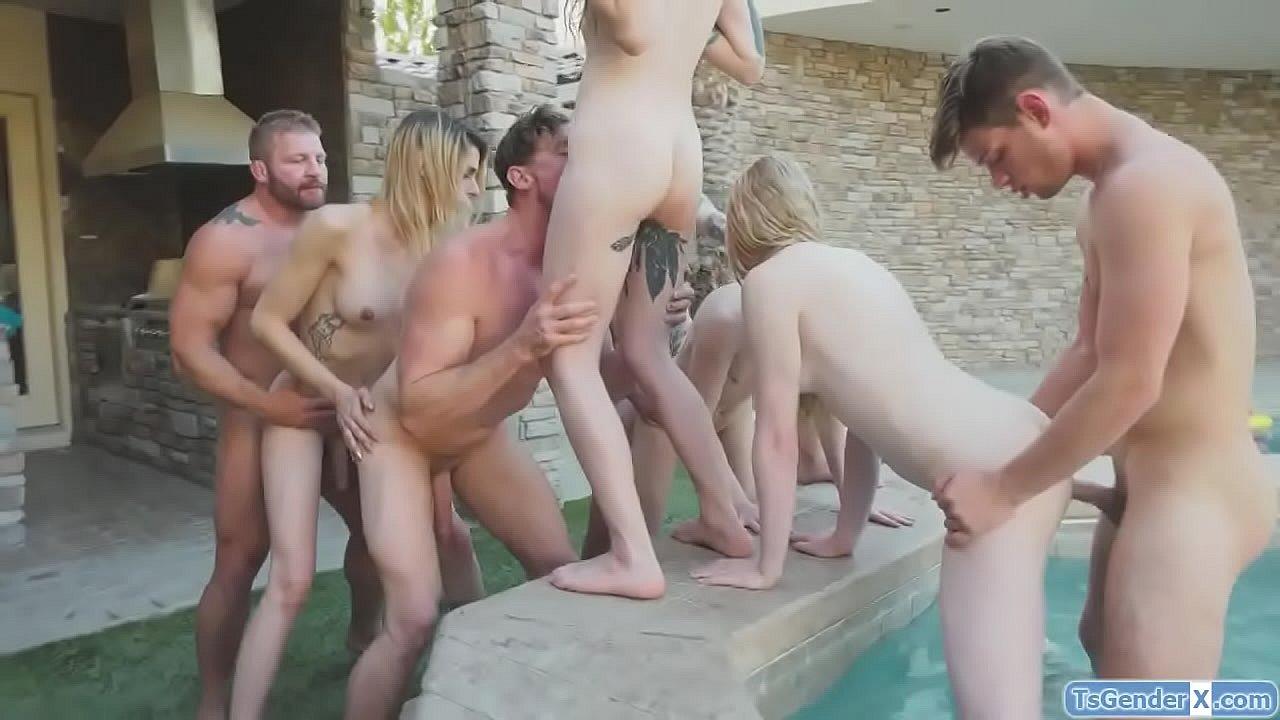 Shemale Fucks Guy Huge Cock
