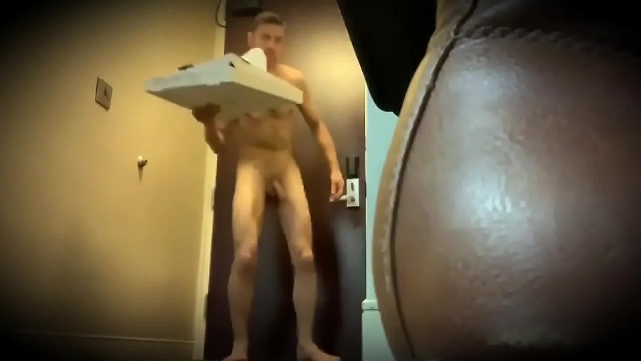 For the delivery man naked Pizza Delivery